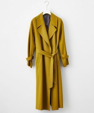 芸能人役柄:No.1カバーモデルがセシルのもくろみで着用した衣装コート