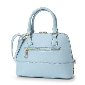 芸能人主役:新人主婦読モがセシルのもくろみで着用した衣装バッグ