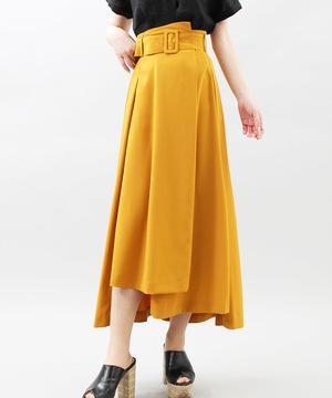 芸能人がおはようコールABCで着用した衣装スカート