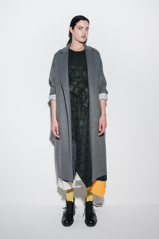 芸能人がユアタイムで着用した衣装ニット、ワンピース