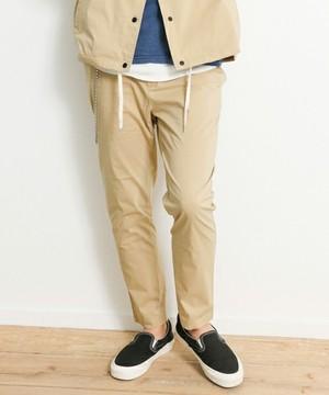 芸能人役柄:イケメンのフォトグラファーがセシルのもくろみで着用した衣装パンツ