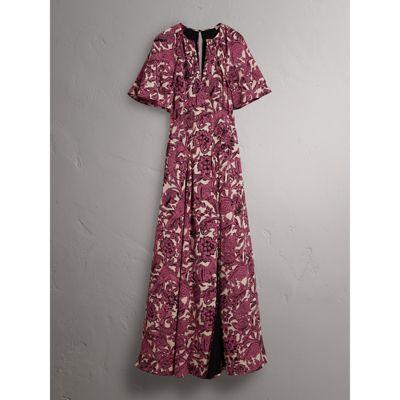 芸能人役柄・モデルがセシルのもくろみで着用した衣装ジュエリー、ワンピース