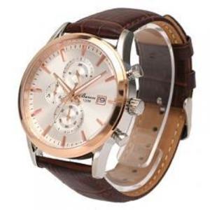 芸能人がブランケットキャッツで着用した衣装腕時計