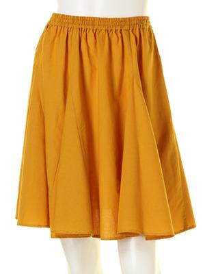 芸能人が花王 フレアフレグランス ヒーリングオアシスで着用した衣装スカート
