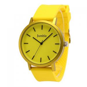 芸能人がショートムービー「明日、アリゼの浜辺で」で着用した衣装時計