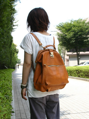 芸能人がGTOで着用した衣装バッグ