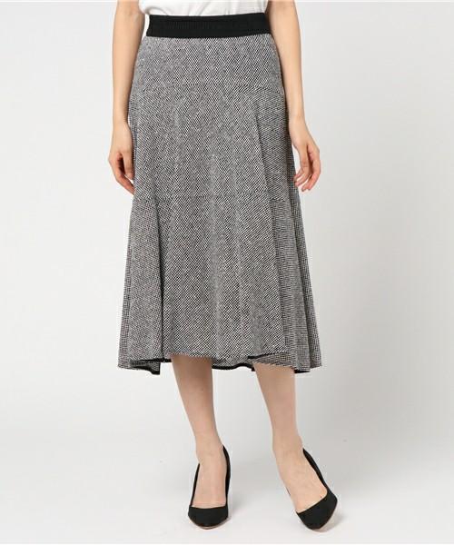 芸能人がHERO'Sで着用した衣装ニット、スカート