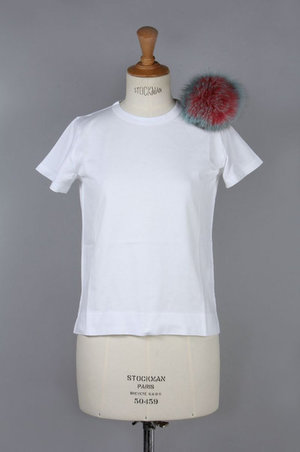 芸能人がZIP!で着用した衣装ワンピース/白カットソー