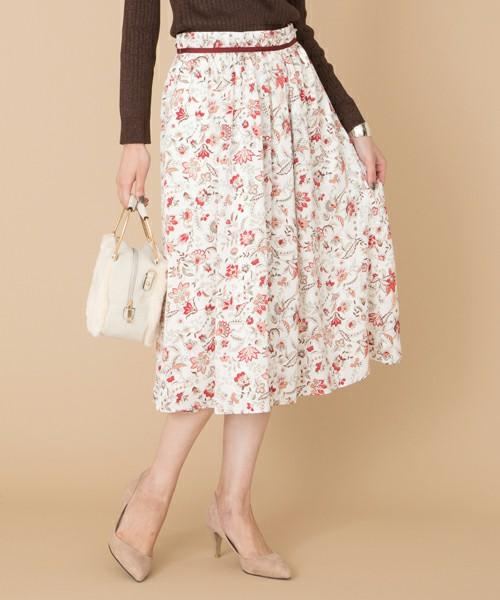 芸能人がウチの夫は仕事ができないで着用した衣装カットソー、スカート
