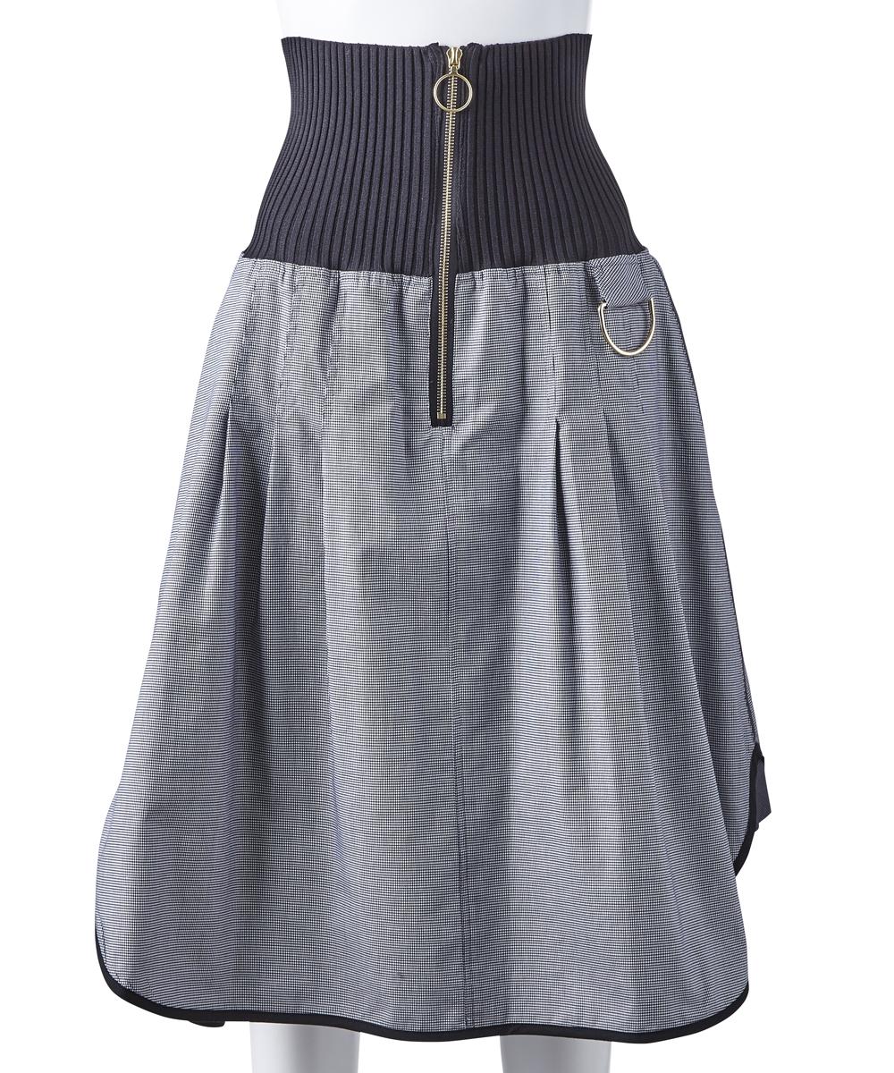 芸能人が踊る!さんま御殿!!で着用した衣装ブラウス、スカート