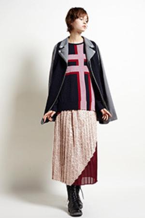芸能人が世界一受けたい授業で着用した衣装ニット&スカート
