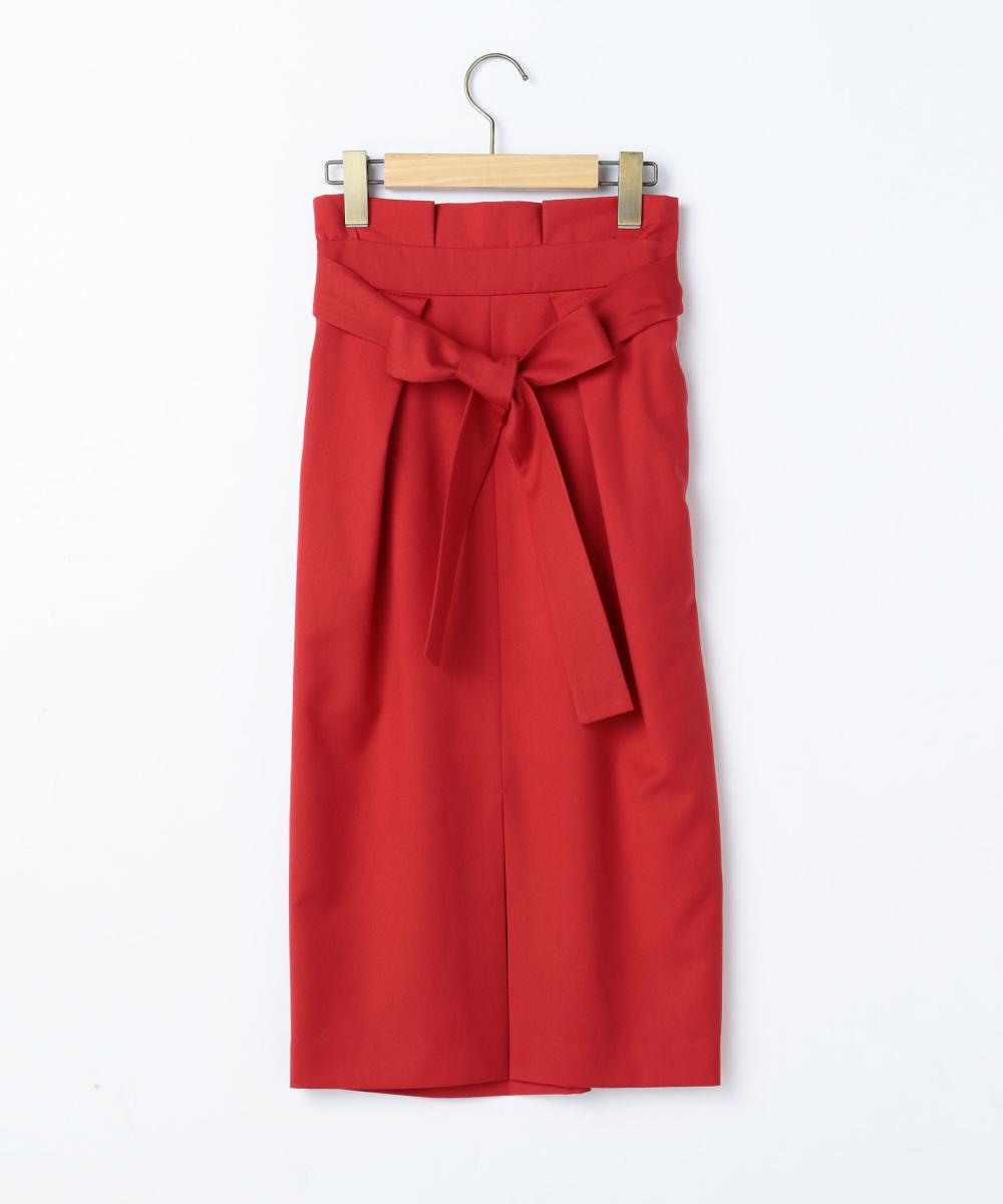 芸能人がユアタイムで着用した衣装ブラウス、スカート