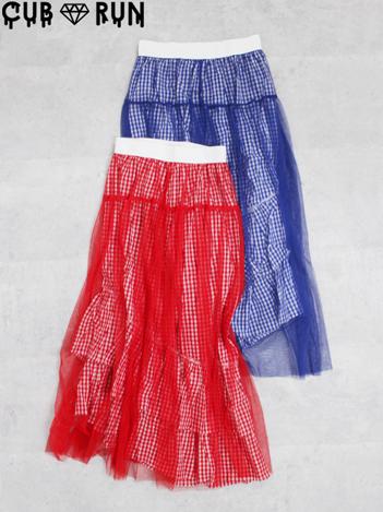 芸能人が誰だって波瀾爆笑で着用した衣装シューズ、カットソー、スカート