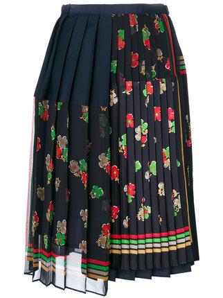 芸能人がさんまのまんま 秋のさんまもゲストも脂がノってますSPで着用した衣装シューズ、スカート