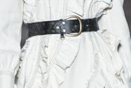 芸能人がおしゃれイズムで着用した衣装ワンピース、ベルト