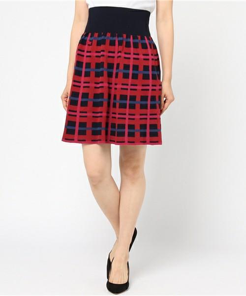 芸能人がホンマでっか!?TV SPで着用した衣装ニット、スカート