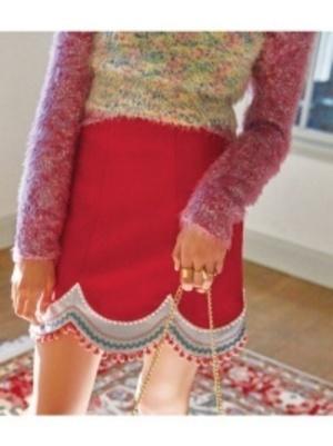 芸能人が小倉唯 ゆいかおりアルバム「Y&K」ジャケットで着用した衣装スカート
