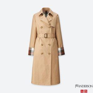 芸能人がInstagramで着用した衣装コート/シューズ・サンダル