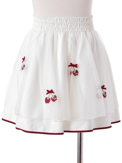 芸能人役柄・音楽の先生が先に生まれただけの僕で着用した衣装スカート