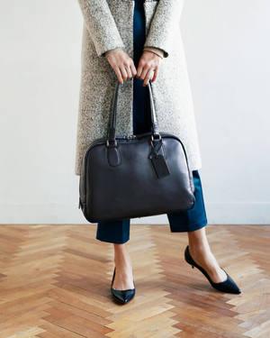 芸能人役柄・彼女・総合商社勤務が先に生まれただけの僕で着用した衣装バッグ