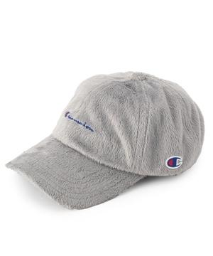 芸能人役柄・ギャルで凄腕ハッカーが今からあなたを脅迫しますで着用した衣装帽子