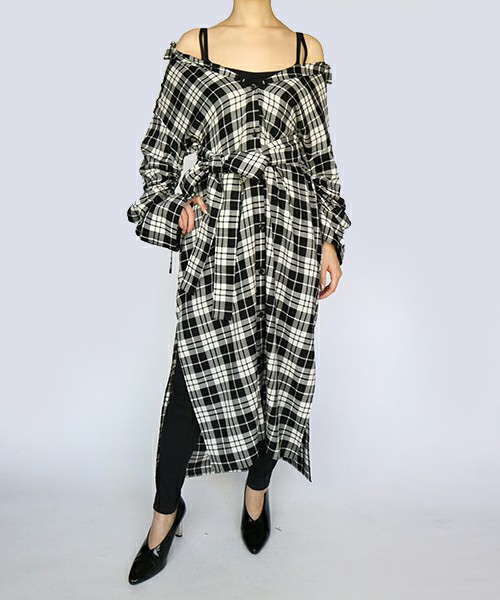 AULA AILAのOFF SHOULDER CHECK SHIRT DRESS