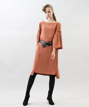 芸能人7話ゲスト・余命いくばくもない主婦仲間が奥様は、取り扱い注意で着用した衣装ワンピース