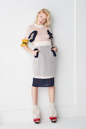 芸能人がバカリズムの深掘り学園で着用した衣装トップス