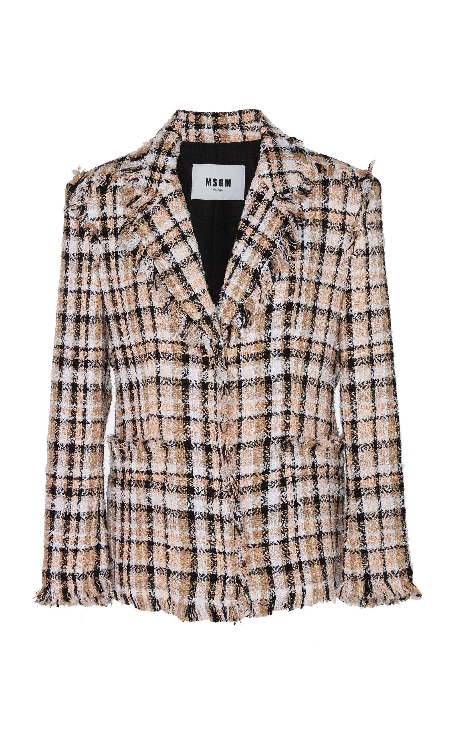 芸能人がバズリズム02で着用した衣装スカート、ジャケット