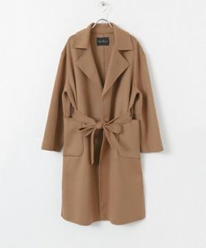 芸能人主役・スクールカウンセラーが明日の約束で着用した衣装コート