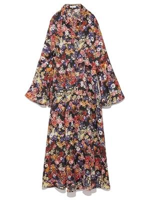 芸能人がInstagramで着用した衣装ワンピース