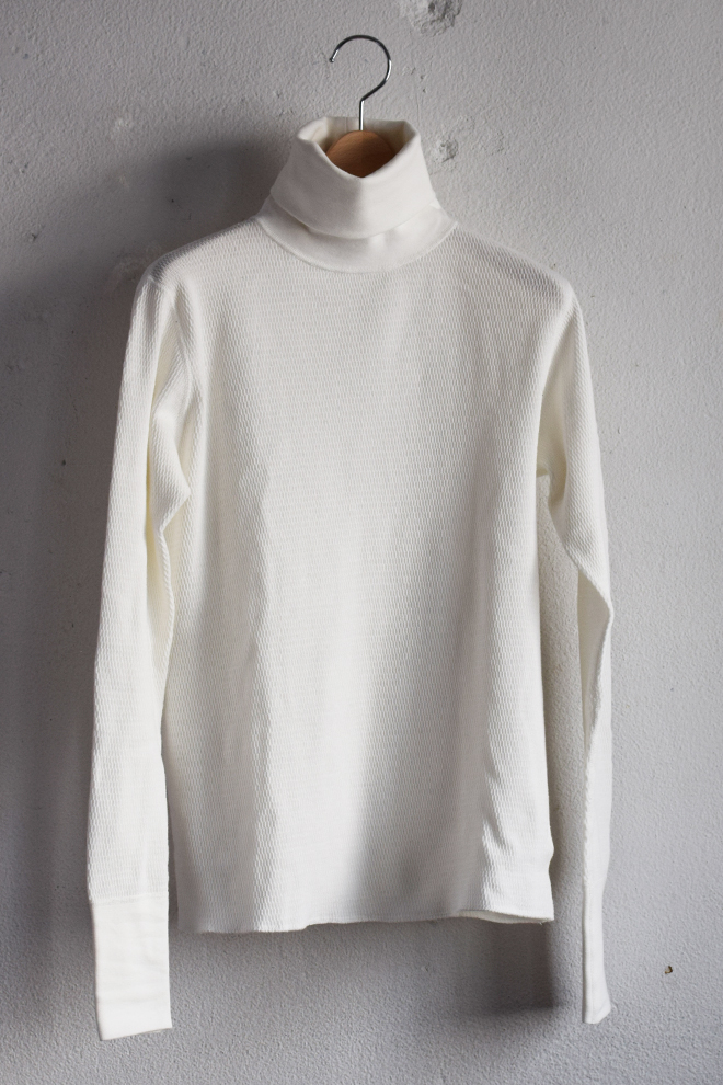 RUMBLE REDのHigh Neck Tharmal Shirts