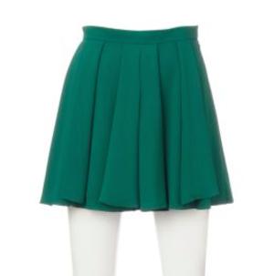 芸能人がアメトーーク!で着用した衣装カットソー、スカート