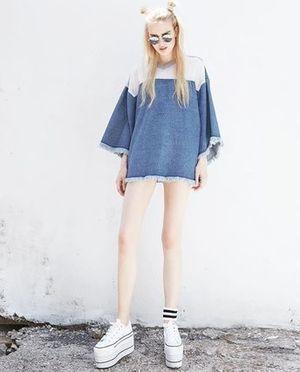 芸能人が乃木撮で着用した衣装Tシャツ・カットソー