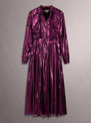 芸能人通称・財テクが監獄のお姫さまで着用した衣装ドレス