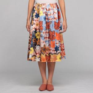 芸能人がCM マウントレーニア で着用した衣装ニット/スカート