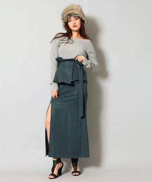 芸能人がニンゲン観察バラエティ モニタリングSPで着用した衣装スカート