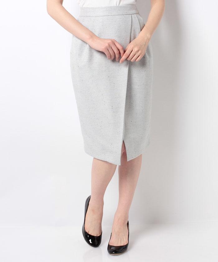 芸能人がスッキリで着用した衣装ニット、スカート
