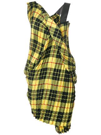 芸能人が第59回輝く!日本レコード大賞で着用した衣装ワンピース