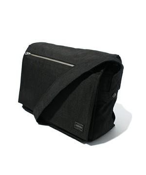 芸能人がFINAL CUTで着用した衣装バッグ
