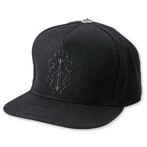 芸能人がTheEternalLiveで着用した衣装帽子