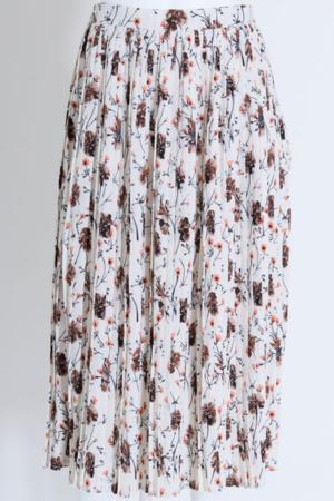 芸能人が僕は愛を証明しようと思うで着用した衣装スカート