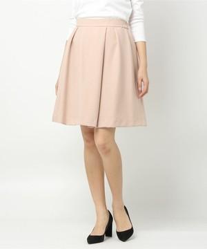 芸能人が明日の君がもっと好きで着用した衣装スカート