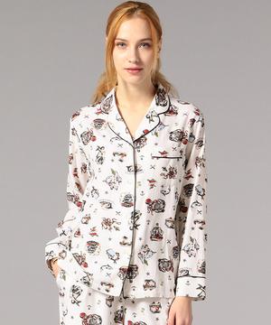 芸能人がInstagramで着用した衣装パジャマ