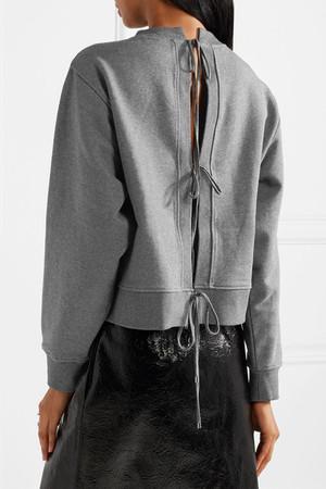 芸能人がInstagramで着用した衣装パーカー/パンツ