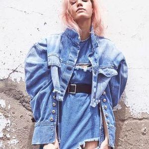 芸能人がInstagramで着用した衣装Tシャツ・カットソー/ジャケット