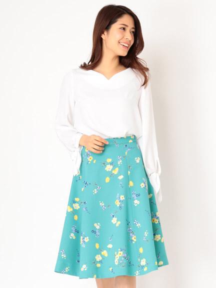 芸能人がZIP!で着用した衣装ニット、スカート