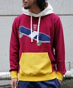 芸能人がヒルナンデスで着用した衣装パーカー