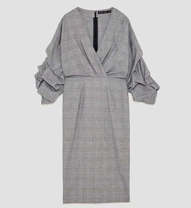 芸能人が有田哲平の夢なら醒めないでで着用した衣装ワンピース