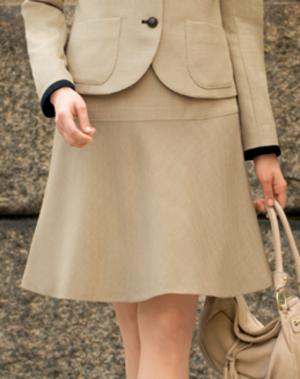 芸能人が薩摩川内市ビジネスセミナーin東京で着用した衣装スーツ